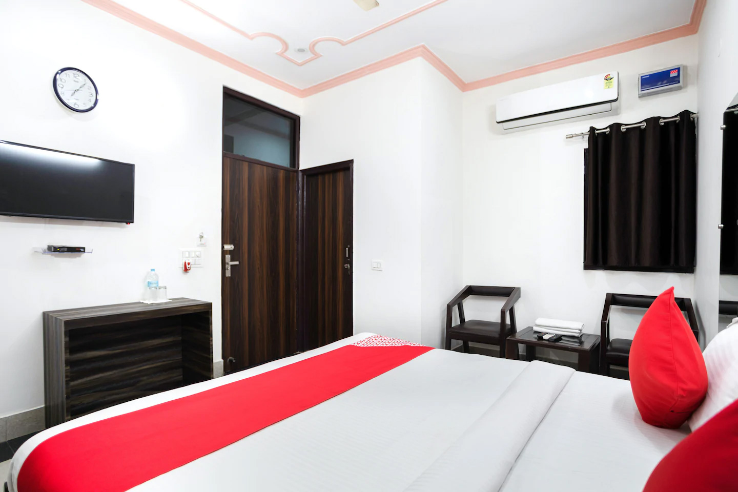 Guest house in Gurgaon, guest house near medanta medicity, Budget guest house in Gurgaon Delhi NCR